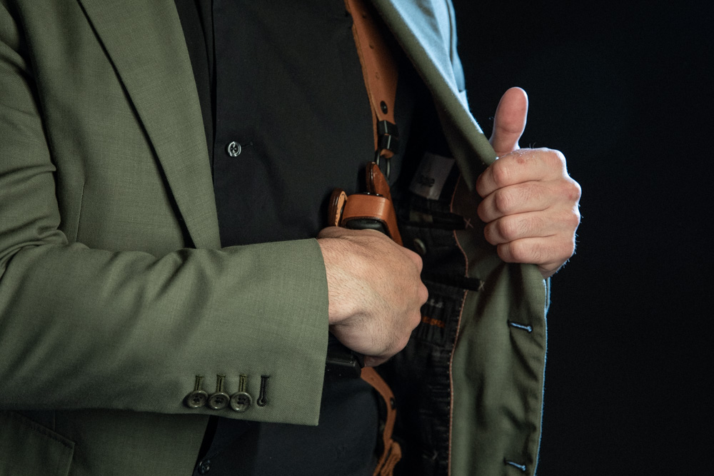 Shoulder holster concealed carry method